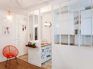 Modern kitchen by Lise Compain Modern