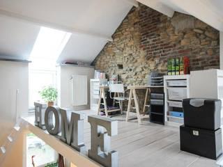 Maison de Lesve: Bureau de style de style Moderne par Elodie Wery And Co
