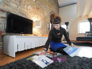 Maison  de Lesve: Salon de style de style Moderne par Elodie Wery And Co
