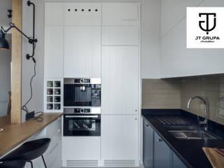 GDAŃSK - Mieszkanie wakacyjne: styl , w kategorii Kuchnia zaprojektowany przez JT GRUPA