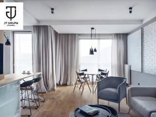 GDAŃSK - Mieszkanie wakacyjne: styl , w kategorii Salon zaprojektowany przez JT GRUPA
