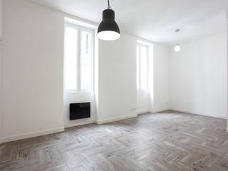 Rénovation appartement Marseillais: Salle à manger de style  par ARCHIIMMO