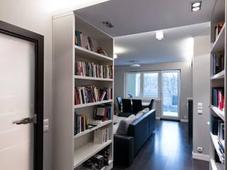 Raw Apartment: styl , w kategorii Korytarz, przedpokój zaprojektowany przez Fotografia Przemysław Turlej