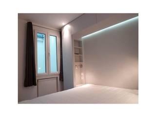 Eclairage chambre Chambre classique par CAROLINE DUBAU Classique
