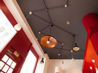 Le plafond Gastronomie moderne par CAROLINE DUBAU Moderne