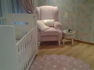 Uma tela em branco * Quarto da Baby B.:   por Espaços Únicos - EU InteriorDecor,Minimalista