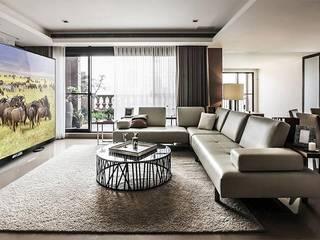 Klassische Wohnzimmer von Первая Мультимедийная компания Klassisch