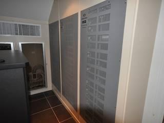 Умный дом - технические помещения, мультирум, кинозал. Медиа комната в классическом стиле от Первая Мультимедийная компания Классический