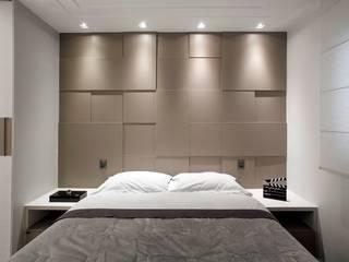 غرفة نوم تنفيذ Andressa Saavedra Projetos e Detalhes