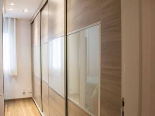 Bedroom by Andressa Saavedra Projetos e Detalhes, Classic