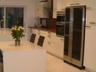 Stevenson Kitchen:  Kitchen by Diane Berry Kitchens