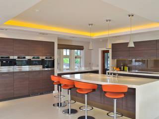 Beech Kitchen:  Kitchen by Diane Berry Kitchens