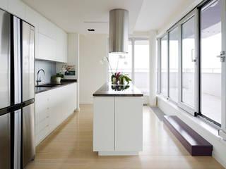Cocinas de estilo moderno de cristianavannini | arc Moderno