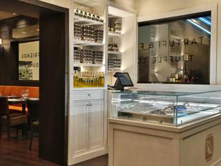 Iceberg crystal chandelier in Tartufi & Friends restaurant Manooi Gastronomi Modern Transparent