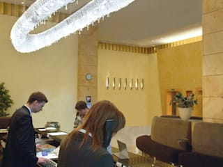 Atoll crystal chandelier in Hilton Hotel Manooi Hotel Modern