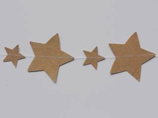 Guirlande d'étoiles en papier kraft recylclé:  de style  par UN JOUR ORDINAIRE