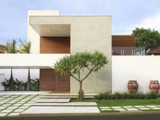 Modern houses by FERNANDO ROMA . estudioROMA Modern