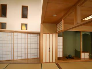吹抜けの家 和風デザインの リビング の 吉田設計+アトリエアジュール 和風