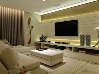 Eclectic style media room by Bastos & Duarte Eclectic