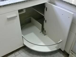 Modulos Exclusivos para amoblamientos de Cocina :  de estilo  por X Design Muebles