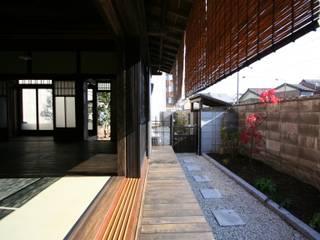 犬山 下本町の家 クラシックデザインの リビング の 池戸建築事務所 クラシック