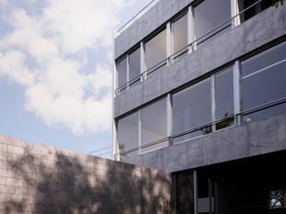 Casa 47. Vivienda Urbana.: Casas de estilo moderno por reimersrisso