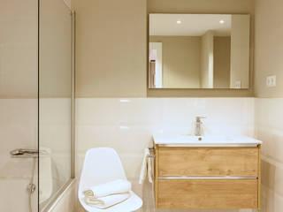 ห้องน้ำ โดย Beivide Studio, สแกนดิเนเวียน