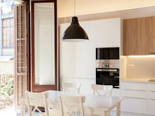 Passatge Tassó: Cocinas de estilo  por Beivide Studio