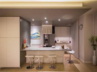 現代廚房設計點子、靈感&圖片 根據 davide pavanello _ spazi forme segni visioni 現代風