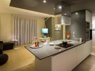 Modern kitchen by davide pavanello _ spazi forme segni visioni Modern