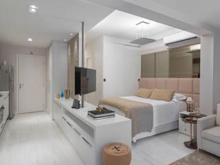 Moderne Schlafzimmer von Carina Dal Fabbro Arquitetura e Interiores Ltda Modern