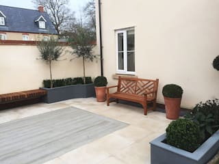 Oxford Garden Designed and Built by Decorum.London Decorum . London Classic style garden Wood-Plastic Composite Grey