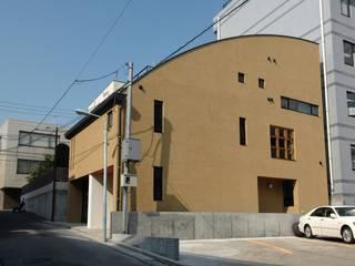 市ヶ谷の家(都市型2世帯住宅・中庭のある外断熱の家): 中川龍吾建築設計事務所が手掛けた家です。