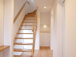 祐成大秀建築設計事務所 Scandinavian corridor, hallway & stairs Wood White