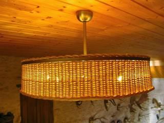 Luminaire inox / osier. par Joceran Designs Éclectique