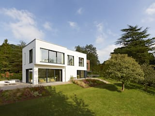 Modern Home Crichton Modern houses by Baufritz (UK) Ltd. Modern