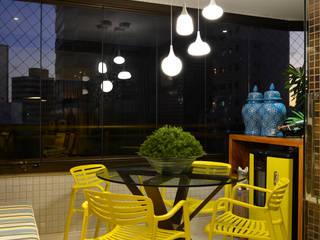 Terrace by Bastos & Duarte, Eclectic