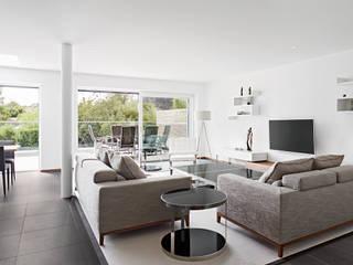ห้องนั่งเล่น by Baufritz (UK) Ltd.