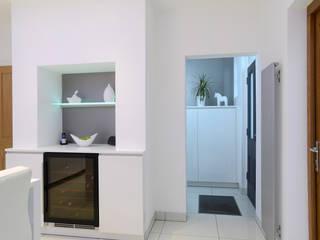 Entwistle Kitchen:  Kitchen by Diane Berry Kitchens