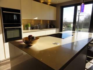 Atkinson Modern kitchen by Diane Berry Kitchens Modern