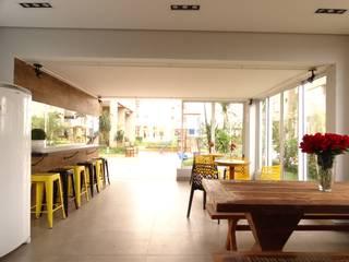 Terrasse de style  par Daniela Simões Arquitetura e Interiores