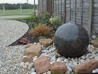 NATURAL STONE DRILLED SPHERE WATER FEATURES Modern Bahçe BARTON FIELDS LANDSCAPING SUPPLIES Modern