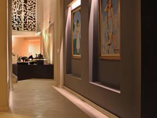 DIN Interiorismo Modern corridor, hallway & stairs