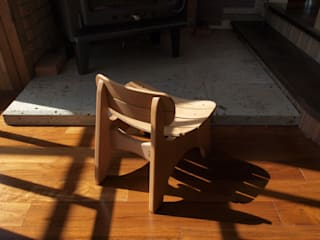B-child chair: Loop order furnitureが手掛けたです。