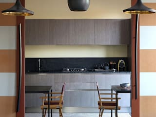 Japanese style:  in stile  di tomdesign, Moderno