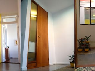 TEODORO GARCIA Pasillos, vestíbulos y escaleras modernos de taller125 Moderno