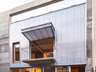 SAU-MIGDIA-HOUSE Modern houses by Andres Flajszer Photography Modern