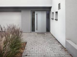 modern  by Kobbe, Modern