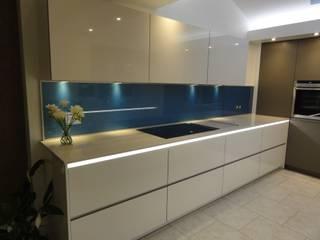 Goldstone kitchen Modern kitchen by Diane Berry Kitchens Modern
