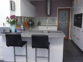 Green Kitchen Diane Berry Kitchens Modern style kitchen